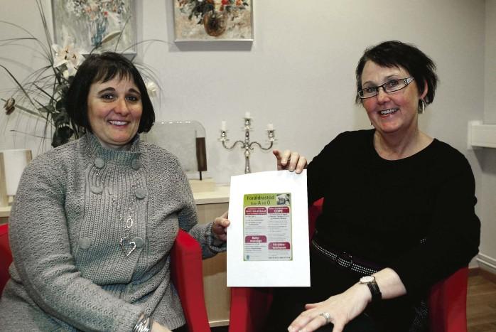 Anita Österberg och Eva Gundahl är handledare för föräldrakursen COPE, som nu startas upp på Trollevik i Nödinge. Även öppet hus-kvällar på Familjehuset i Surte finns med i kommunens aktiva satsning på föräldrastöd.