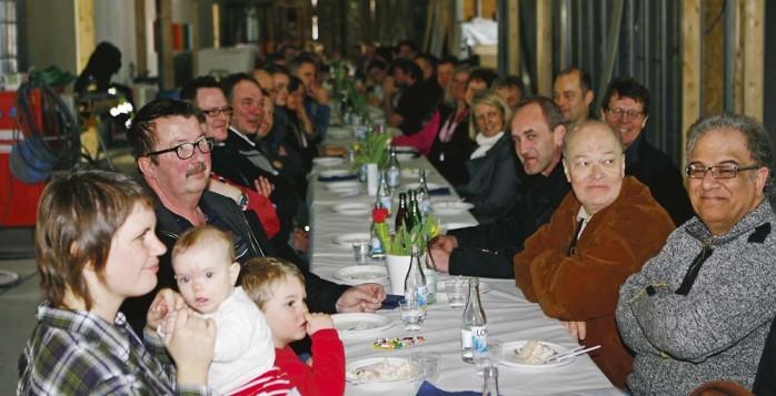 Många nöjda besökare gästade taklagsfesten på Äppelgårdenn i Nödinge.