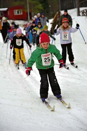 Se upp i spåren! Elsa Aronsson hade bra glid och åkte med ett leende på läpparna.