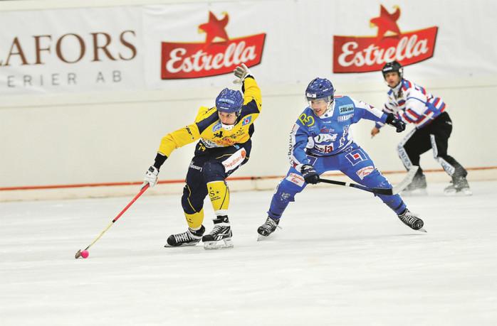Erik Olovsson var magnifik i den första kvalmatchen mot IFK Vänersborg. Han gjorde bland annat ett solomål från egen planhalva.