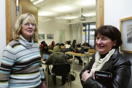 Lärare Kerstin Olsborg och rektor Inga-Lena Lindenau gläds över den satsning som sker för SFI-eleverna.