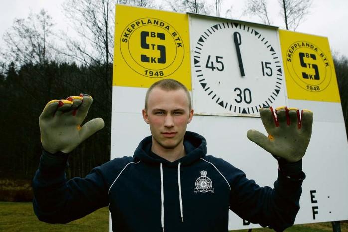 Mathias Holmström är gaisaren som har spelat och tränat med IFK Göteborg sedan 2008, men som nu har återvänt till Forsvallen och Skepplanda BTK. I division fem kan Holmström troligtvis briljera som aldrig tidigare.