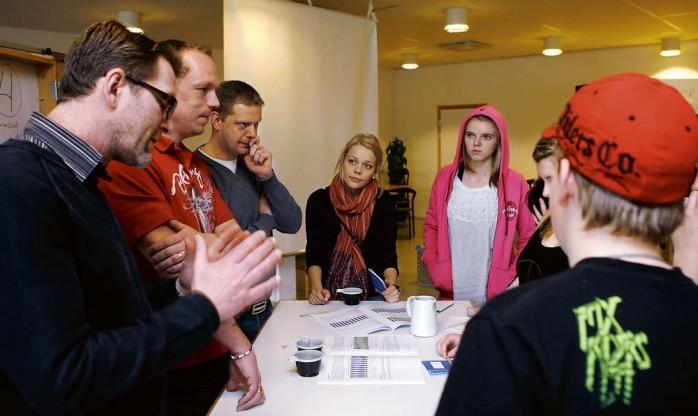 Verksamhetschef Peter Madsen, vice ordförande i Utbildningsnämnden, Dennis Ljunggren (S) och ordförande Peter Kornesjö (M) svarade på elevernas frågor om skolan.