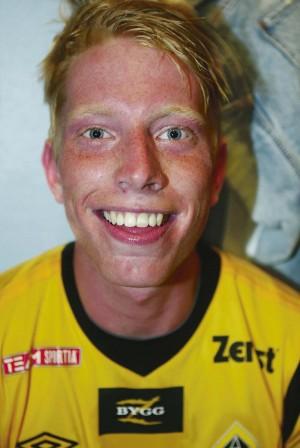 Målskytt i sin seriedebut för Ahlafors blev Martin Johansson, som med matchens enda fullträff fixade tre poäng mot Skärhamns IK.
