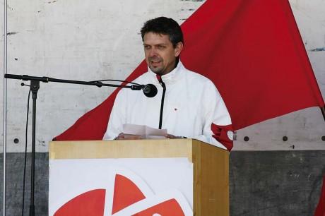 Jim Aleberg (S), kandiderar till regionfullmäktige, talade om den S-märkta regionpolitiken och manade alla att ta en promenad till vallokalen söndag 15 maj.