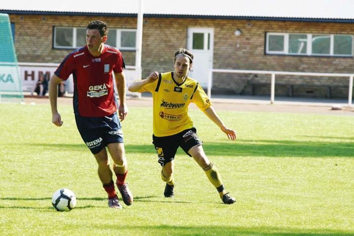 Marcus Olsson gjorde mål för sitt Lilla Edet på Rådavallen i lördags. Det räckte emellertid inte till poäng då Mellerud vann med 2-1. Arkivbild: Per-Anders Klöversjö