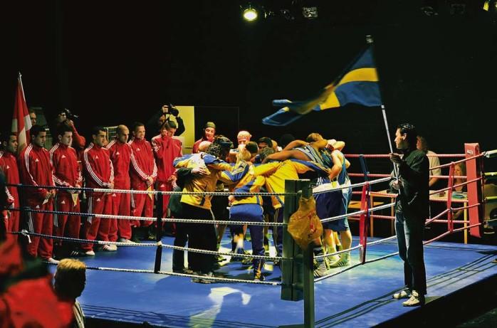 Svensk uppladdning. Arrangemanget i Ale gymnasium höll högsta klass och landskampen föranleddes av att Kulturskolan spelade båda nationalsångerna.