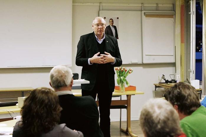 Gert-Inge Andersson (S), regionstyrelsens ordförande, talade för Socialdemokraternas medlemmar i Ale i fredags. Han berörde Saabkonkursen, regionens ekonomi och arbetslösheten.
