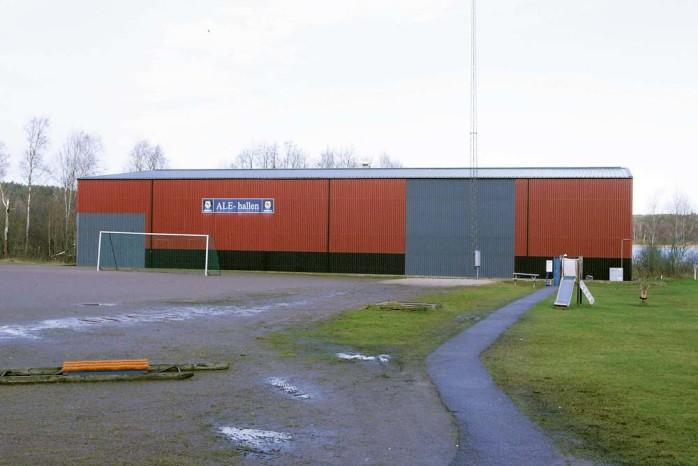 Alehallen i Nödinge stod färdig 1999. Anläggningen har moderniserats under årens lopp, bland annat byttes konstgräset ut för tre år sedan och nu sker en energieffektivisering av hallen.