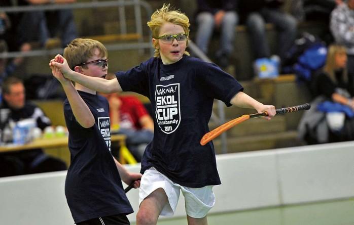 Skolcupen i innebandy firar 15-årsjubileum. På fredag går anmälningstiden ut för de klasser som vill vara med i turneringen. Arkivbild: Allan Karlsson