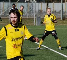 Ankaret längst bak. Henrik Andersson är nu ryggraden i Ahlafors IF:s defensiv, en av många spelare som har utvecklats enormt de senaste åren. Idag utstrålar Henke självförtroende och erfarenhet i allt högre utsträckning. Den stora AIF-frågan är vem som ska bilda mittlås med honom.