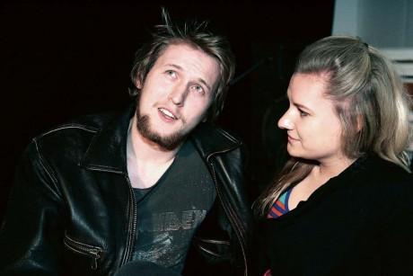 Patrik Verona (Jonas Jörgensen) och Katarina (Victoria Lindgren) utgör huvudkaraktärerna i Teatervindens musikteaterföreställning.