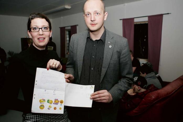 En okänd Viktor har tillskrivit kommunledningen och nu vill politikerna Elena Fridfelt (C) och Mikael Berglund (M) svara. Foto: Jonas  Andersson