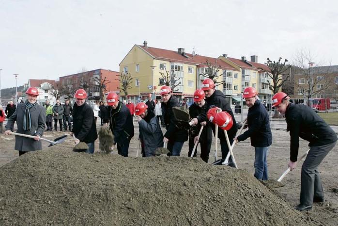 I förra veckan togs det symboliska första spadtaget för Centralen 3 i Lilla Edet.