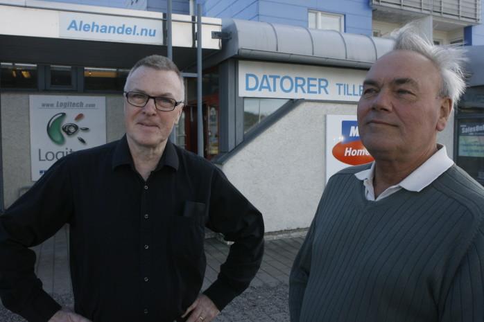Leif Ljung och Boo Baeckström på SalesOnNet i Bohus uttrycker sitt stora missnöje över hur hårt ortens företagare har drabbats av vägbygget.