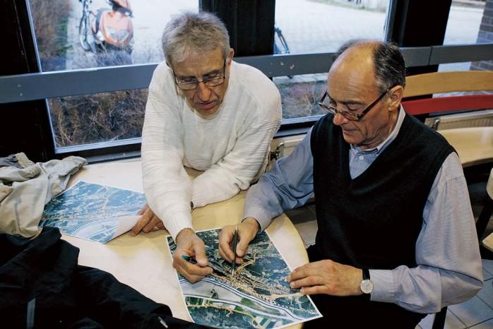 Jan-Erik Alfredsson och Jan-Peter Eldh deltog i övningen om bra och mindre platser i Älvängen.