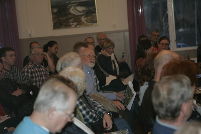 Vindkraftsfrågan debatterades livligt på ortsutvecklingsmötet i Starrkärr och i fokus stod bland andra Bruno Nordenborg som gjorde en presentation av visionen för Alefjälls Naturskyddsförening.