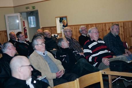 Deltagarna på torsdagens ortsmöte i Alvhem var inte sena att ifrågasätta det som sades.