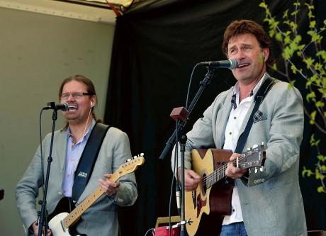 Kenny Samuelsson och Henrik Uhlin i högform. Streaplers blandade gammalt och nytt.