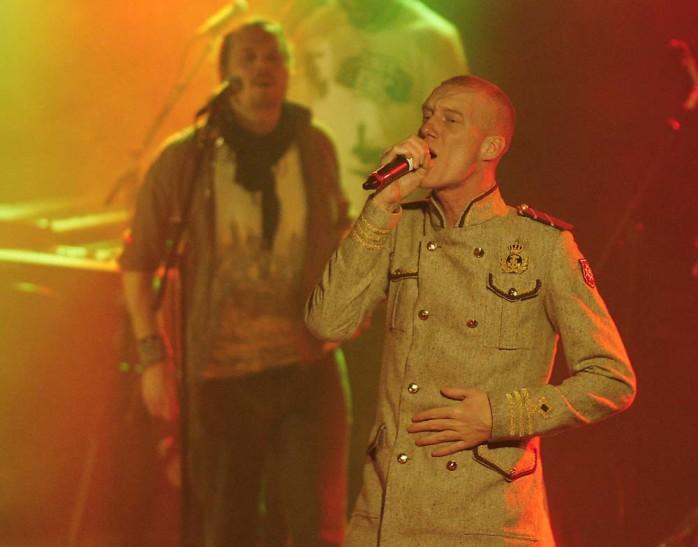 Kapten Röd levde upp till högt ställda förväntningar och levererade från Festivalborgs stora scen.