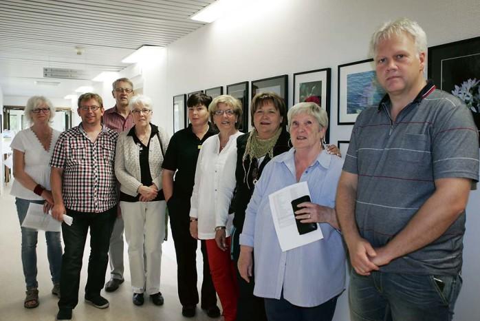Fotogruppen Ale tillsammans med konstföreningen sätter färg på Vikadamms väggar.