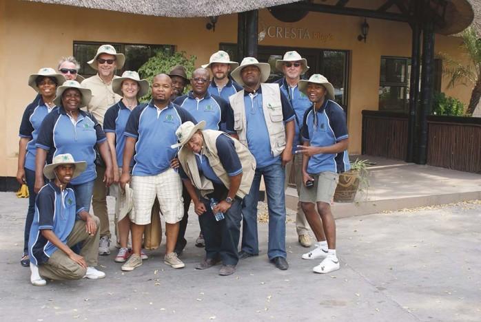 Ale kommun har besökt Ghanzi i Botswana för samtal om eventuella utbyten finansierat av Sida. Representanter var kommunchef Erik Lidberg, Joachim Wever, utvecklingsstrateg, Kjell Lundgren, projektledare YEE samt kommunalråden Mikael Berglund och Paula Örn.