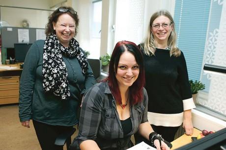 Gun Ekblad, Maria Törnros och Marie Lundgren Sundegren bor alla i Ale och jobbar som jobbcoacher på Samhall i Göteborg. De uppmanar fler företag att rekrytera personal från Samhall där det finns många med stor kompetens.