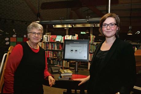 Bibliotekschef Eva Bünger och Kultur- och fritidsnämndens ordförande, Isabell Korn, är stolta över att kunna presentera satsningen Meröppna bibliotek.