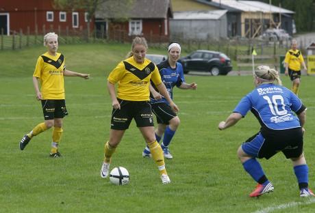 Sandra Augustsson gjorde två mål i derbyt mot Edet FK och var Skepplandas bästa spelare.
