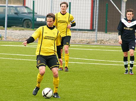 """Christian """"Figge"""" Rönkkö antecknade sig i målprotokollet borta mot Bollebygd. Det hjälpte föga ty hemmalaget vann med 4-2. Arkivbild: Jonas Andersson"""