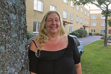 """Finalist. Susanne Bohman från Nödinge, som genom Facebooksidan """"Susannes änglar"""" samlar in förnödenheter till hemlösa och andra socialt utsatta, har utsetts till en av tio finalister i Svensk Fastighetsförmedlings tävling """"Bohjälte 2013""""."""