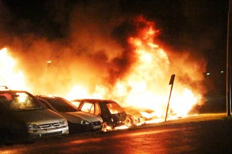 Bilbrand på Fyrklövergatan i Nödinge.