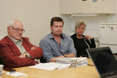 Bert Andersson, tidigare stadsarkitekt i Ale kommun, Anders Sporre, Surte Åkeri, Annika Qarlsson, centerpartistisk riksdagsledamot, tog del av fredagens diskussioner om den nya bron över Göta älv och framtiden för Vänersjöfarten.