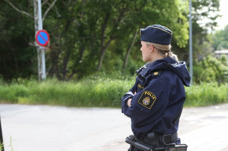 Polisen fick många frågor från oroliga ortsbor och anhöriga.