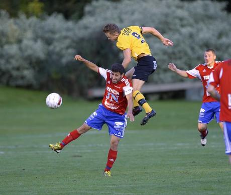 Alexander Andersson skickade in 2-0 och 3-0 för sargade SBTK.