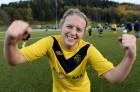 Andrea Lindgren, matchhjälte i SBTK, poserar efter dramat på Forsvallen.
