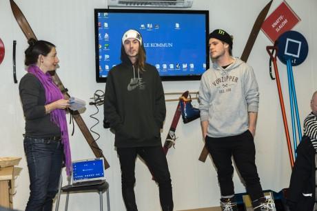 Utfrågning. Näringslivschef Pia Areblad intervjuade Ale Invites affischnamn Kevin Bäckström och Tor Lundström om snowboard.