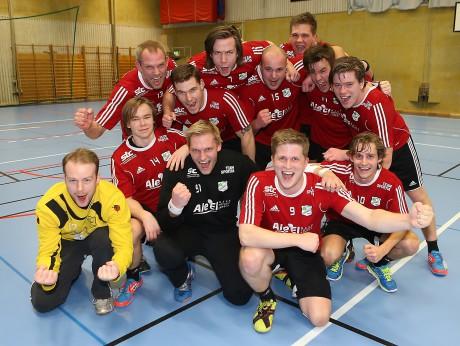 Seriesegrare 2015. Ale HF är klara för spel i division 3 nästa säsong efter att ha besegrat Kongelf i näst sista omgången.
