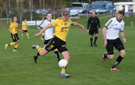Michael Hintze sköt Ahlafors mål i den oavgjorda bortamatchen mot Vänersborgs IF.