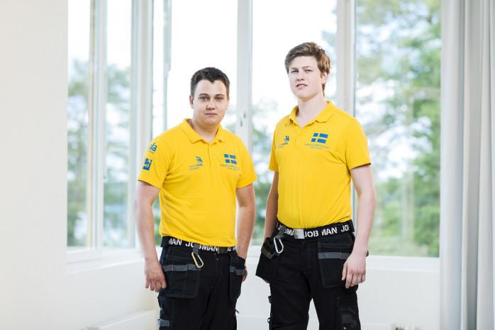 Jonas Köre (till höger) med sin lagkamrat Jonathan Lukacs. I veckan tävlar de tillsammans i yrkes-VM i Brasilien. Foto: WorldSkills Sweden