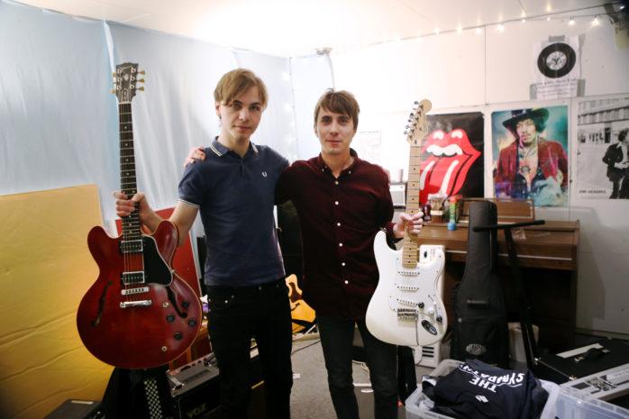 Viktor Larsson och Mattias Salek har kommit hem från sin första turné. Foto: Kristoffer Stiller