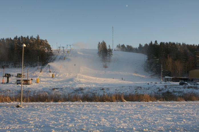 Redo att öppna. På lördag sker säsongspremiären i Alebacken.