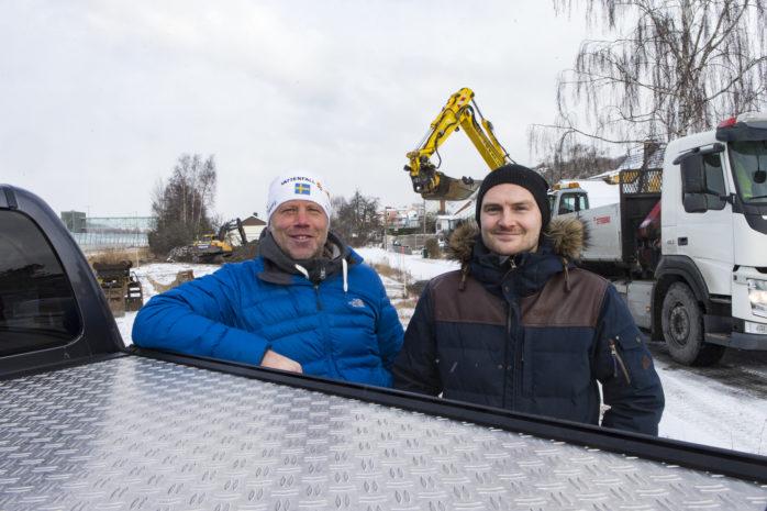 Nybygge. Calle Sjöberg, Lokallager i Väst AB, bygger nu elva nyproducerade lagerlokaler på Vassvägen i Surte. Mikael Nylander är mäklare för Swedbank kommersiella fastigheter och intygar att intresset har varit stort. Åtta av elva är redan tecknade.