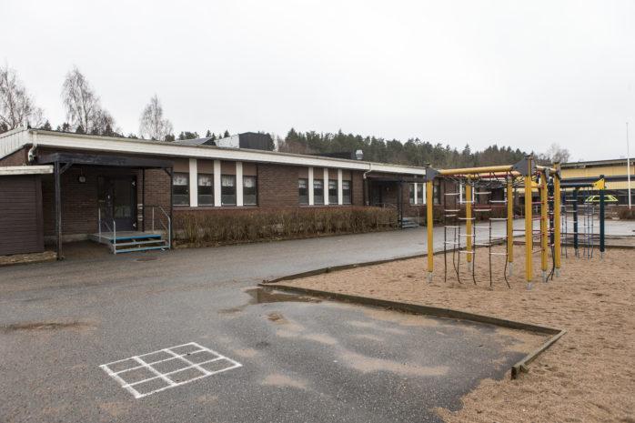 Madenskolan stängdes i samband med att nya Kronaskolan öppnades i juni. Till hösten öppnas den igen. Foto: Per-Anders Klöversjö.
