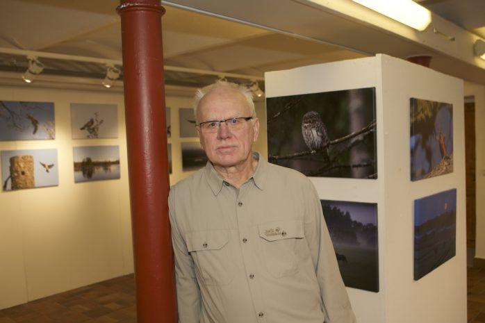 """Bjuder in till vernissage på Glasbruksmuseet i Surte nu på söndag gör Börje Karlsson. """"Ögonblick i naturen"""" visas till och med den 26 februari."""