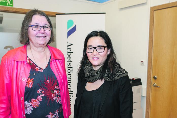 Kristin Svenningstorp och Inga-Lena Andersson på Arbetsförmedlingen bjuder in arbetssökande seniorer till en jobbmässa torsdagen den 23 mars.