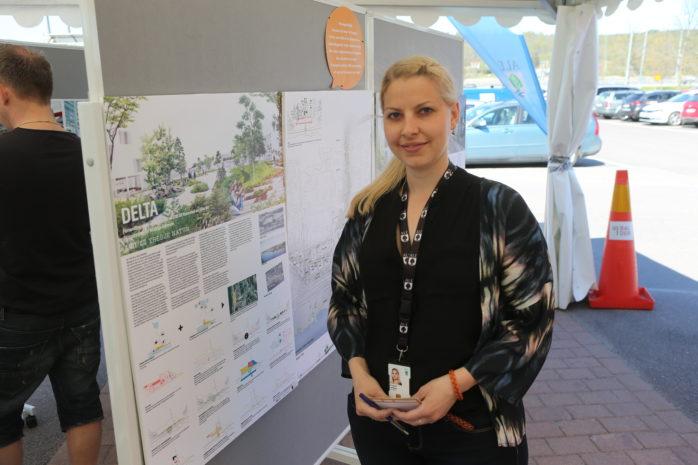 Planarkitekt Charlotte Lundberg stod i kommunens tält på Ale Torg i samband med lördagens Vårlopp. Där fanns fyra skisser på hur framtidens Nödinge centrum kan komma att se ut.