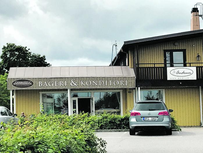 Sedan tidigt 80-tal har Torggatan varit hemvist för bageri- och konditori i Älvängen. Först var det Älvbrinkens konditori och sedan april 2010 har Cederleüfs- & Svenheimers drivit butik här. På fredag går en epok i graven.
