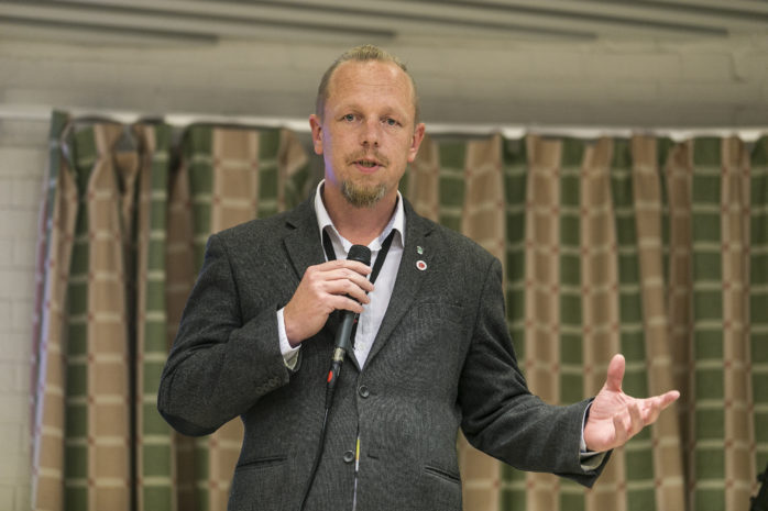 Dennis Ljunggren lämnar skolpolitiken. Arkivbild.