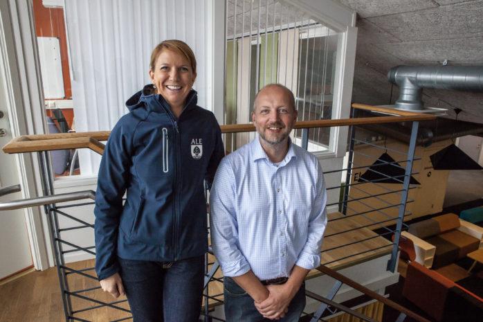 Kommunalråden Paula Örn (S) och Mikael Berglund (M) är helt överens om den planerade utbyggnaden av nya bostäder för nya alebor.